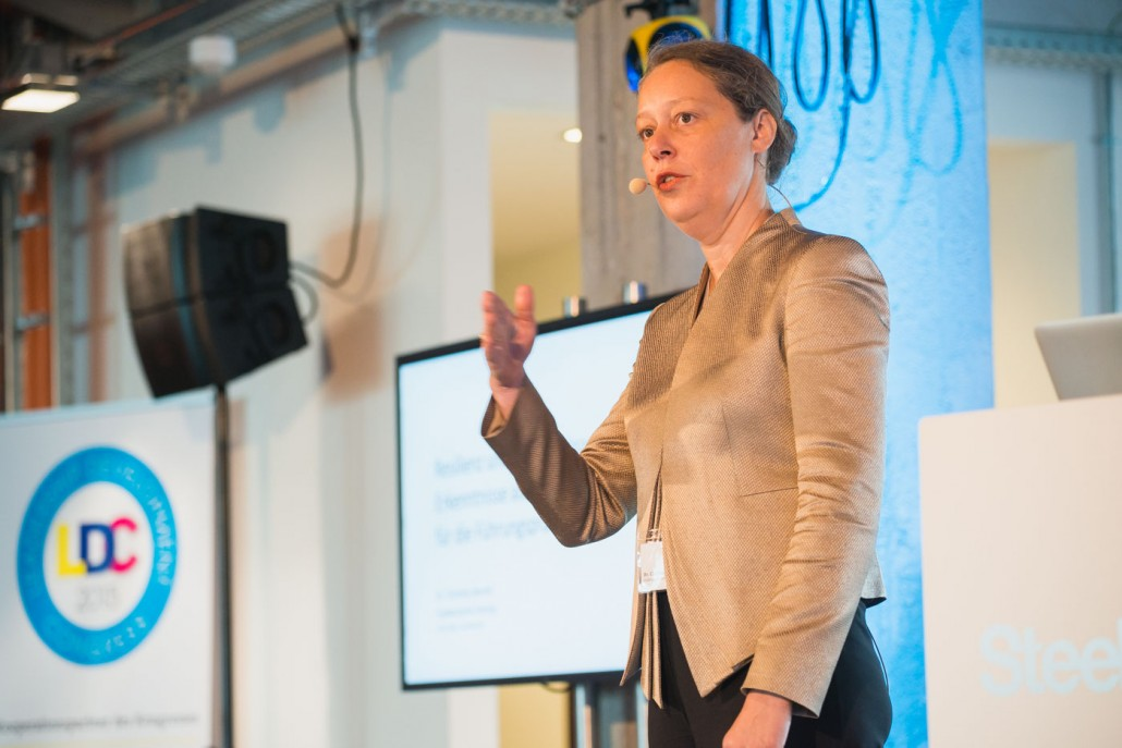 Bestsellerautorin und Wissenschaftsjournalistin Dr. Christina Berndt sprach zum Thema Resilienz und der Bedeutung für die Unternehmenskultur.